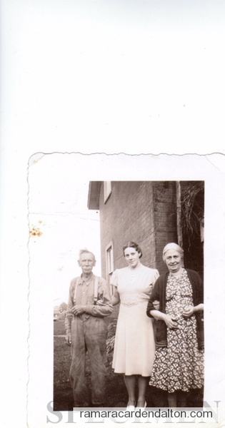 Sam & Annie Lamb, Hilda Lamb abt 1942
