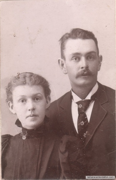 40.Edith and Fred Hutchings (brother and sister)