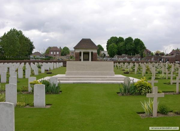James GOWANLOCK / Aix Noulette Communal Cemetery, Pas de Calais, France