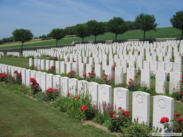 Robert E. JUFFS / Hangard Communal Cemetery, Somme, France