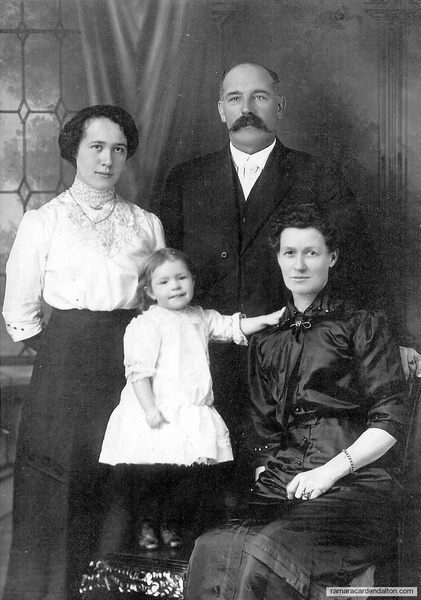 Joe Ray &  Wife, daughter & grand daughter